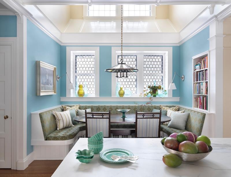 23-amazing-built-in-kitchen-nooks-1