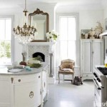 54c0eeee969bf_-_02-hbx-gold-crystal-chandelier-in-kitchen-lgn