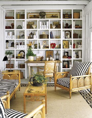 small-livingroom-designs-wall-cubbies